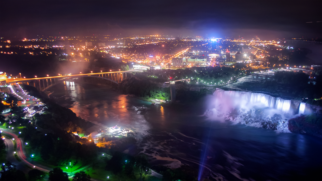 6 things to do in niagara falls i love upstate new york for Stuff to do in nyc at night